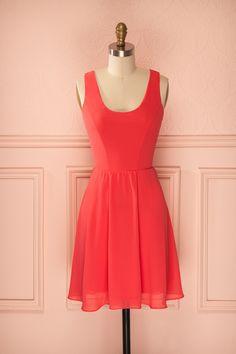 Robe sans manches rouge de coupe A en voile avec dos ouvert et dentelle - Sleeveless A-line coral veil dress with open-back and lace