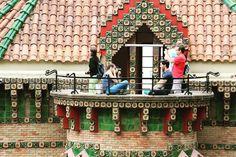 #caprichodegaudi #capricho #comillas #cantabria #cantabriainfinita #españa #spain #arquitectura #architecture #arte #art #antonigaudi #naturaleza #nature Gaudi, Fair Grounds, Instagram, Travel, Naturaleza, Architecture, Art, Viajes, Destinations