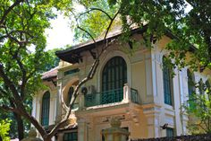 walks in Hanoi: Phan Dinh Phung for colonial architecture