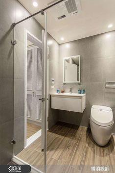 木紋磚Q&A懶人包! 像木地板般溫暖卻比木地板更好清潔、保養! Small Apartment Interior, Apartment Ideas, Bathroom Interior Design, Small Apartments, Bathtub, Mirror, House, Furniture, Home Decor