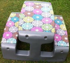 Caroline's Crafty Corner - plastic picnic table redo