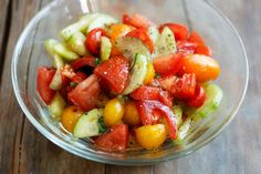 Fresh cucumbers, tomatoes, and basil are drizzled with a simple balsamic and oil dressing to make this simple Cucumber Tomato Salad. Tossed together just before serving, or made a few hours in advance, this refreshing Tomato Salad Recipes, Cucumber Tomato Salad, Avocado Salat, Onion Salad, Cucumber Recipes, Panera Bread, Vegetarian Recipes, Cooking Recipes, Healthy Recipes