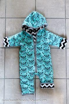 Baby overall, the lovely bear fabric from Andrea Lauren // ajatuksiasaksasta.blogspot.com