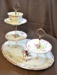 jewelry Stand China - Cakestand 3 Tier Plus 2 Tier Vintage China Tea Stand for Weddings, Tea Parties, Displays, Showers, Jewelry Stand. Afternoon Tea Cakes, Afternoon Tea Parties, Upcycled Crafts, Diy And Crafts, Repurposed, Vintage China, Vintage Teacups, Bolo Original, Teacup Crafts