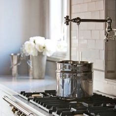Pot Filler - Design photos, ideas and inspiration. Amazing gallery of interior design and decorating ideas of Pot Filler in kitchens by elite interior designers. Kitchen And Bath, New Kitchen, Kitchen Dining, Kitchen Decor, Eclectic Kitchen, Design Kitchen, Kitchen Cabinets, Neutral Kitchen, Shaker Kitchen