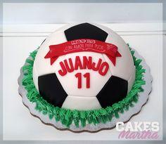 Football Soccer ball Cake. Pastel de balón de fútbol. Fondant y algo de d1fe7b0ba11ff