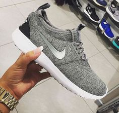 Nike roshe is on clearance sale,as the lowest price. Save: 81% off,Get it immediately!