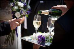 El brindis de los novios con Champagne Moët. Bride and groom toast with Moë¨t Champagne.