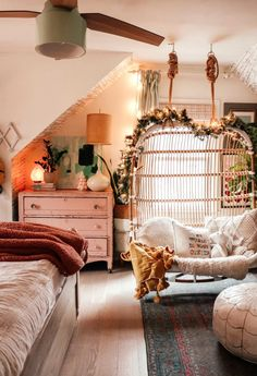 Christmas Home Decor in our Small Space- Holiday Housewalk 2019 – Nesting With Grace - Eclectic Home Decor Interior Exterior, Interior Design, Aesthetic Rooms, Christmas Home, Christmas Decor, My New Room, Decoration, Room Inspiration, Decorating Your Home