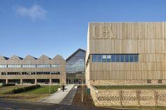 Galería de Edificio Bob Champion / Hawkins\Brown - 1