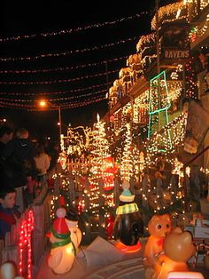 Winter Wonderland in Hampden, Miracle on 34th Street, Baltimore, MD  Must see this year!