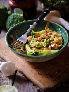 Stir fry z azjatyckimi grzybami i sosem śliwkowym. - Klaudyna Hebda