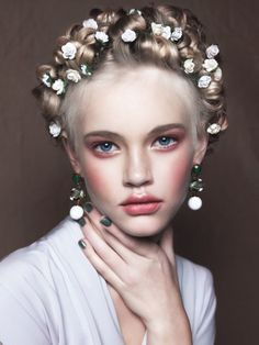 Angelic Emma, floral crown, rosy face Makeup By: Bo @bo_champagne Photography:
