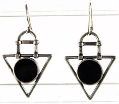 VINTAGE MARKED 925 ARTISAN MODERNIST STERLING SILVER BLACK ONYX INLAY EARRINGS