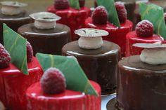 #torte #kuchen #konditorei #cafe #hugosbackstube #confiserie #patisserie Panna Cotta, Ethnic Recipes, Desserts, Food, Pies, Cakes, Cake Shop, Dulce De Leche, Meal