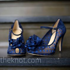 Something Blue.and would match the navy bridesmaid's dresses! Blue Polka D. Something Blue. Bow Shoes, Cute Shoes, Me Too Shoes, Pretty Shoes, Polka Dot Shoes, Blue Polka Dots, Blue Fashion, Fashion Boots, Purple Wedding Shoes