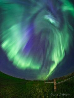 Northern Lights - Red Deer, Alberta, Canada I so want to see this. Red Deer Alberta, Beautiful Places In The World, Beautiful Sky, Science And Nature, Natural Wonders, Night Skies, Northern Lights, Scenery, Around The Worlds