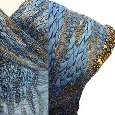 costume embroidery by michele carragher. Game of Thrones Gallery - exquisite manipulation of textiles with fantastic details of work Got Costumes, Movie Costumes, Theatre Costumes, Ballet Costumes, Costumes Game Of Thrones, Game Of Thrones Series, Game Thrones, Textiles, Mesh Ribbon