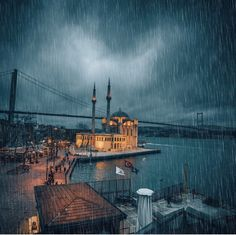 Hello rainy days 👋 The weather is perfect to spend the night with a nice cup of coffee ☕ photo by Under The Rain, Cloud City, Coffee Photos, Fun Cup, Beautiful Places To Travel, Winter Pictures, Istanbul Turkey, Around The Worlds, Train