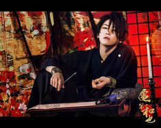 Kamenashi Kazuya looks like takeru satoh. I lobe both of'em bweri maaach Aesthetic Japan, Aesthetic People, Human Poses Reference, Photo Reference, Pretty Men, Beautiful Men, Model Face, Japanese Men, Papi