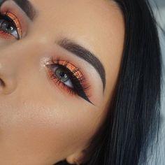 Surely we can all agree that this warm eyeshadow look is EVERYTHING! 🍊 Jazz A. - Eye Makeup tips Pretty Makeup, Love Makeup, Makeup Inspo, Makeup Inspiration, Sleek Makeup, Makeup Style, Natural Makeup, Kiss Makeup, Makeup Art