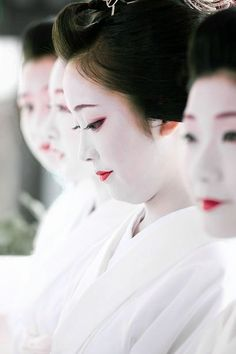 Maiko at Gion Festival, Kyoto, Japan. Photography by Northern-mt on Ganref Go To Japan, Visit Japan, Japan Art, Japanese Beauty, Asian Beauty, Kyoto, Kimono Chino, Memoirs Of A Geisha, Asian Love