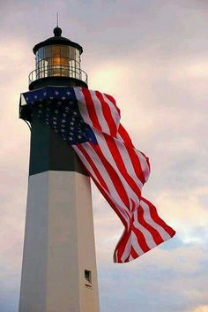 Tybee Island Lighthouse with the American Flag My two favs. US Flag and Lighthouse! Life is good I Love America, God Bless America, Hello America, Memorial Day, Tybee Island Lighthouse, Biloxi Lighthouse, Barnegat Lighthouse, Lighthouse Art, Lighthouse Pictures