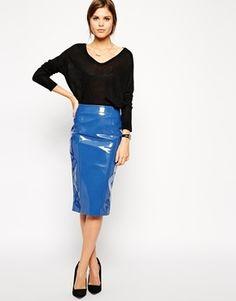 €61, Falda a Media Pierna de Cuero Azul de Asos. De Asos. Detalles: https://lookastic.com/women/shop_items/150478/redirect