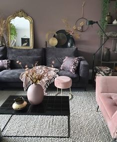 49 Charming Pink Living Room Design Ideas For Your Daughter - There are so many living room design ideas out there that it can be really hard to decide on the right direction to go. Home décor magazines offer ple. Living Room Decor Cozy, Elegant Living Room, Living Room Sets, Home Living Room, Living Room Designs, Home Decor Inspiration, Home Interior Design, Decoration, Design Styles