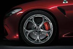Włoskie podejście do projektowania to połączenie prostoty, wysokiej jakości materiałów i pasji do tworzenia piękna. Idealnie taką zasadę wyraża nowa Alfa Romeo #Giulia.