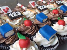 teacher theym cupcakes  | teacher appreciation cupcakes 7 dozen chocolate and vanilla cupcakes ...