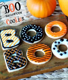 BOO Halloween Cookies are an easy and fun treat for your Halloween party. simplysated