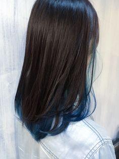 インナーカラー×インディゴ【RODGE原宿/表参道】/RODGE 【ロッジ】 表参道/原宿をご紹介。2017年夏の最新ヘアスタイルを100万点以上掲載!ミディアム、ショート、ボブなど豊富な条件でヘアスタイル・髪型・アレンジをチェック。