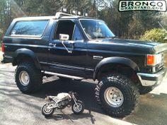 1989 Ford bronco II. 4-inch lift, Bushwacker fender flares ...