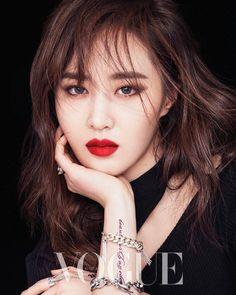 Girls' Generation's Yuri in Vogue Korea April 2017 Sooyoung, Snsd, Seohyun, Kim Hyoyeon, Kwon Yuri, Marie Claire, Yuri Girls Generation, Tiffany, Vogue Korea