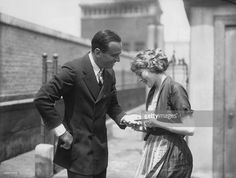 Newlywed actor Douglas Fairbanks having his palm read by his wife, actress Mary Pickford and executing a handstand on the roof of the Ritz Carlton Hotel in New York City, June Fairbanks and Pickford married on March divorced in Hollywood Couples, Hollywood Glamour, Classic Hollywood, In Hollywood, Silent Film Stars, Movie Stars, Douglas Fairbanks, Mary Pickford, Star Family