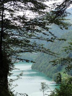 Wolfgangsee: Eine kleine Wanderung auf dem Weg der Wallfahrer The Good Place, Outdoor, Places, Photography, Travel, Puzzle, Nice, Pilgrims, Waterfall