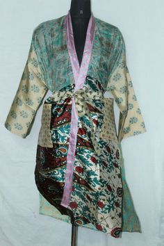 Woman's Vintage Jacket Bathrobe Dress Indian Silk Sari Patchwork Kimono Sk-1049 #Handmade #Kimono #AnyOccasionCasual