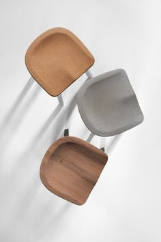 Nendo adds cork seat to its sustainable range of SU stools for Emeco Environmentally friendly stool with a cork seat! SU Stool by Nendo for American design brand Emeco. Japanese Furniture, Cool Furniture, Modern Furniture, Furniture Design, Futuristic Furniture, Plywood Furniture, Bathroom Furniture, Kitchen Furniture, Rustic Furniture