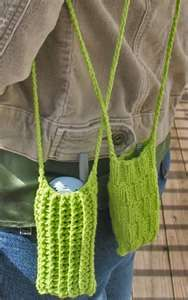 Easy, quick and practical cell phone bags! Knit and crochet versions ...