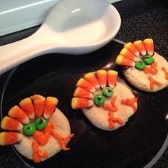 Turkey cookies are baked into a #pinterestfail