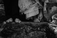 Trash the dress en la Sierra Madre de Querétaro, México. | Cuatro Palos, Chuveje  #weddingphotography #wedding #emotion #emociones #lovephotography #fotografoqro #fotografoqueretaro E Motion, Wedding Art, Sierra, Art Photography, Painting, Sticks, Weddings, Paintings, Draw