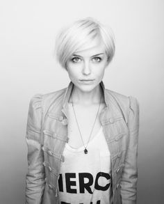 in-between style for growing out pixie cut.. my hair almost looks like this.. will definitely be getting this one!