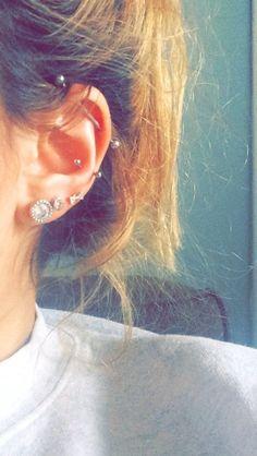 Industrial and snug piercings - - Ohr piercings id. - Industrial and snug piercings – – Ohr piercings id… – In this - Piercing Snug, Tragus Piercings, Piercing Implant, Piercing Face, Ear Peircings, Cute Ear Piercings, Piercing Tattoo, Mouth Piercings, Ear Jewelry