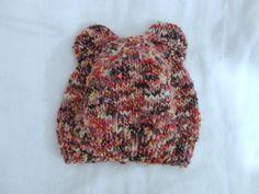 Gorro Amigo Urso, tamanho 0 a 6 meses, de lã.