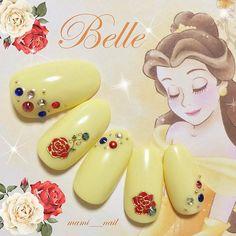 . * 美女と野獣 ベル ネイル ⑥ 。: ・ ♡⑅︎ ・ 今日は、久しぶりの 美女と野獣 ベル ネイル✧︎*。 . パステルイエローに バラのネイルシールとスワロフスキーを並べた シンプルめのデザインです୨୧*˚· . . 実写版の映画公開も 今から楽しみですね!(人´∀︎`*)♬︎*. . . 《 使用カラー Beauty And The Beast Nails, Beauty And The Beast Party, Beauty Nails, Disney Nail Designs, Nail Art Designs, Belle Nails, Chic Nails, Funky Nails, Disney Nails