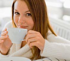 Niewinne piegi i herbata - perfekcyjne połączenie.
