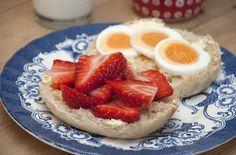 Pludrehanne: Deilige frokost-rundstykker Cheesecake, Strawberry, Fruit, Desserts, Tailgate Desserts, Deserts, Cheese Cakes, Strawberry Fruit, Postres