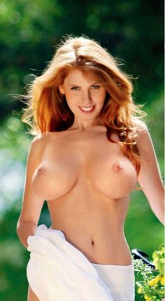 Drop dead gorgeous nude redhead