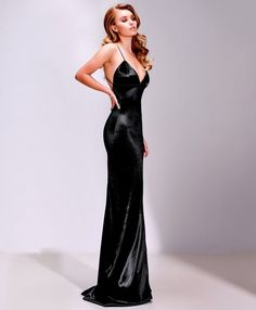 Satin, Latex and other Shiny things Satin Dresses, Elegant Dresses, Pretty Dresses, Sexy Dresses, Beautiful Dresses, Prom Dresses, Formal Dresses, Silk Evening Gown, Evening Dresses